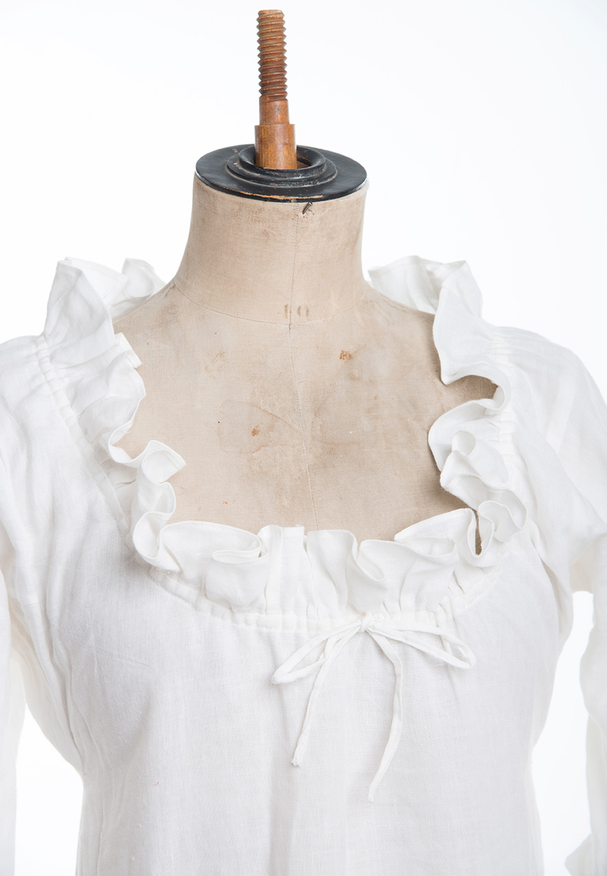 basic shift for 18th c reenactment, living history under garments or underwear, what the georgians wore