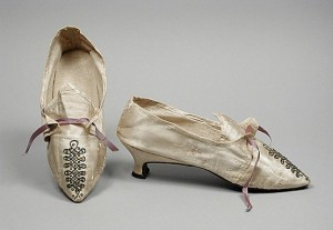 18th century Shoes - 1785, examples of fashionable georgian shoes, Italian heel example fro the 18th century, Glossary term for Italian Heel by HandBound Costumes, Types of heels fashionable in the 18th century, Shoe research from the 1700s