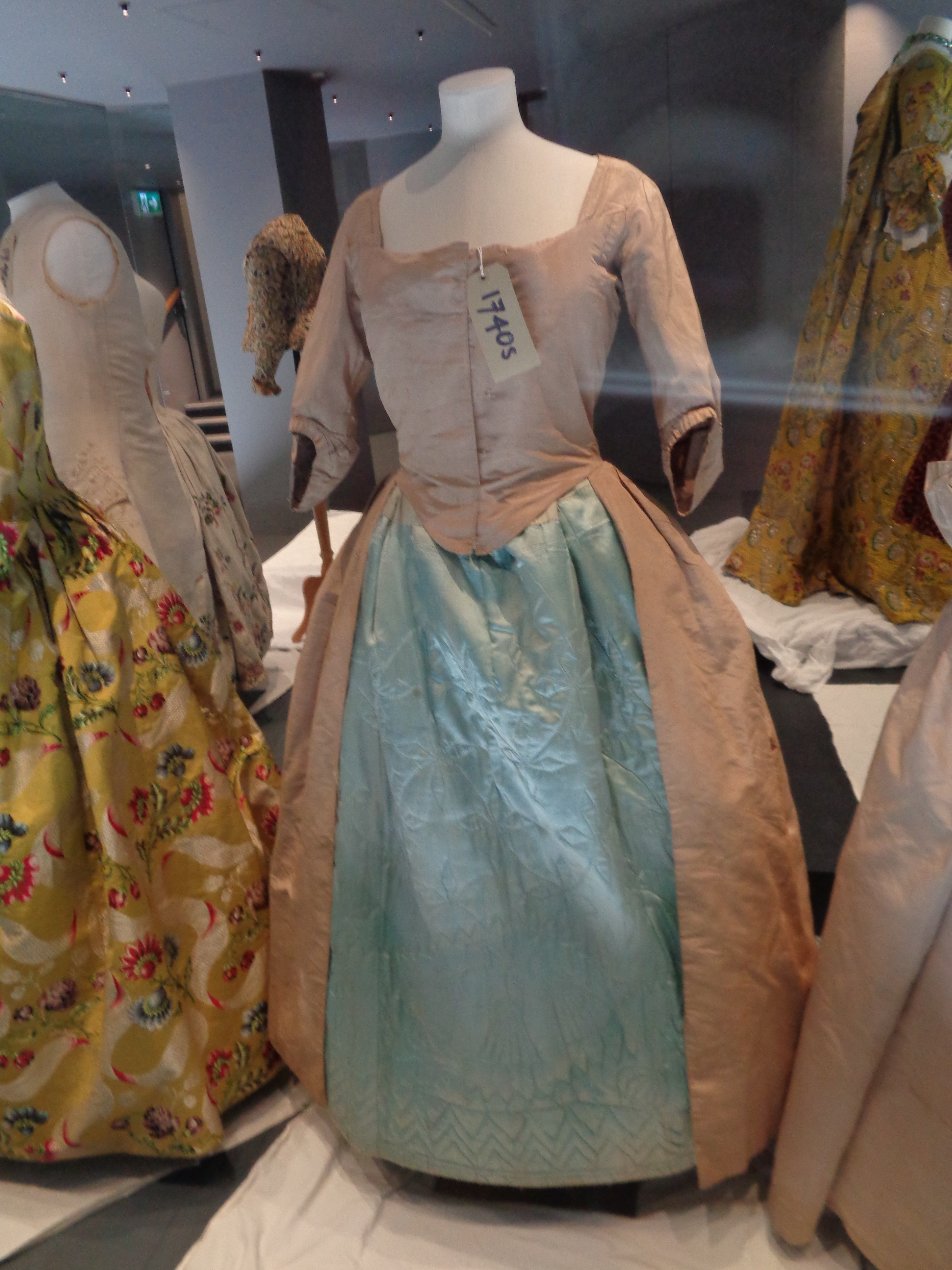 what the georgians wore, historical costumier and made to measure replicas - 18th c fashion,