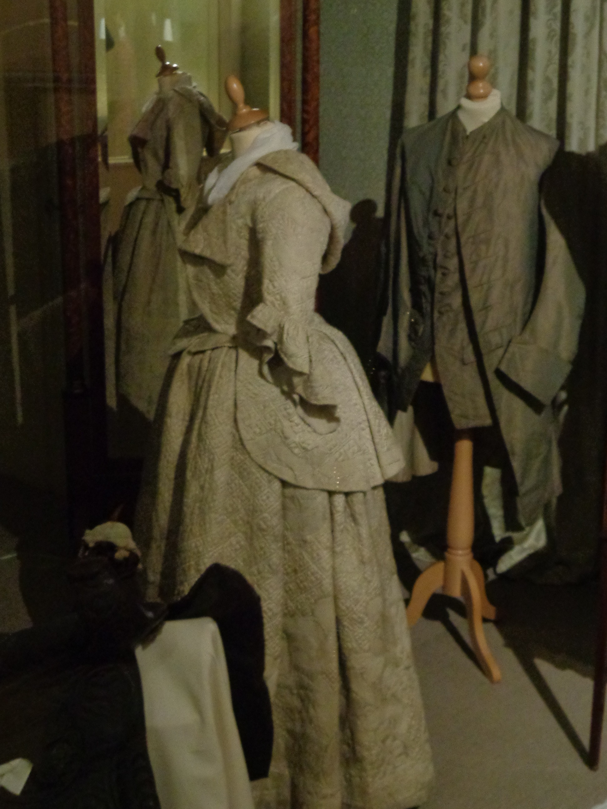 snowshill quilted travelling jacket and petticoat, poldark quilted gown, what the georgians wore, replica historical costumes