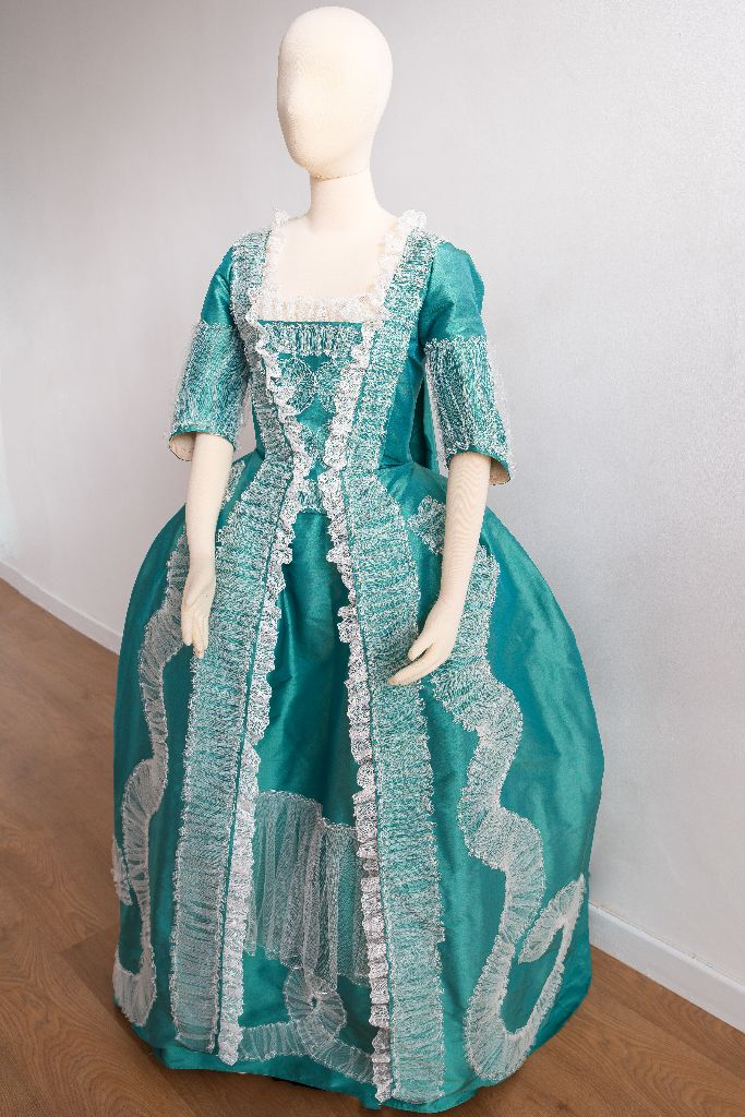 mecklenburg copy gown - c.1774
