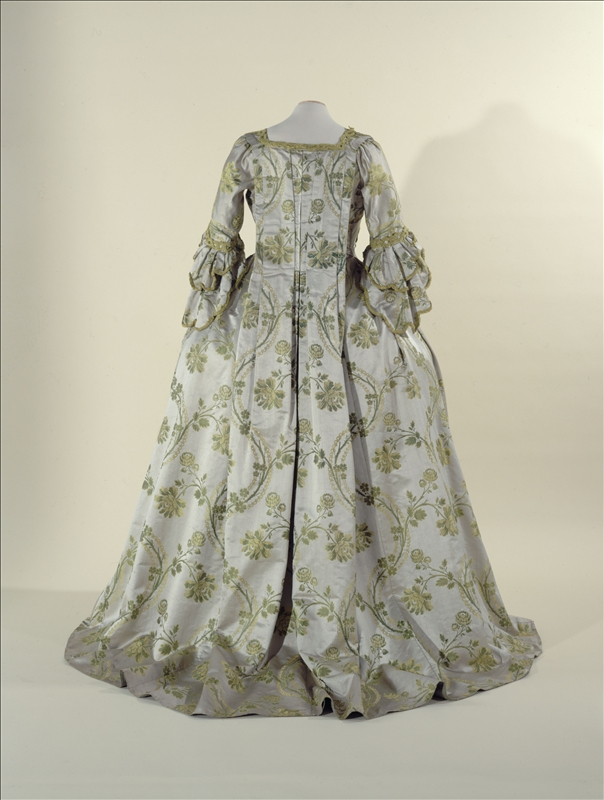 rococo, making a sack back gown, silk, 18th Century fashion, 18th century costume