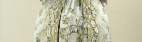 1750-60's Robe a la Francais – Palais Galleria