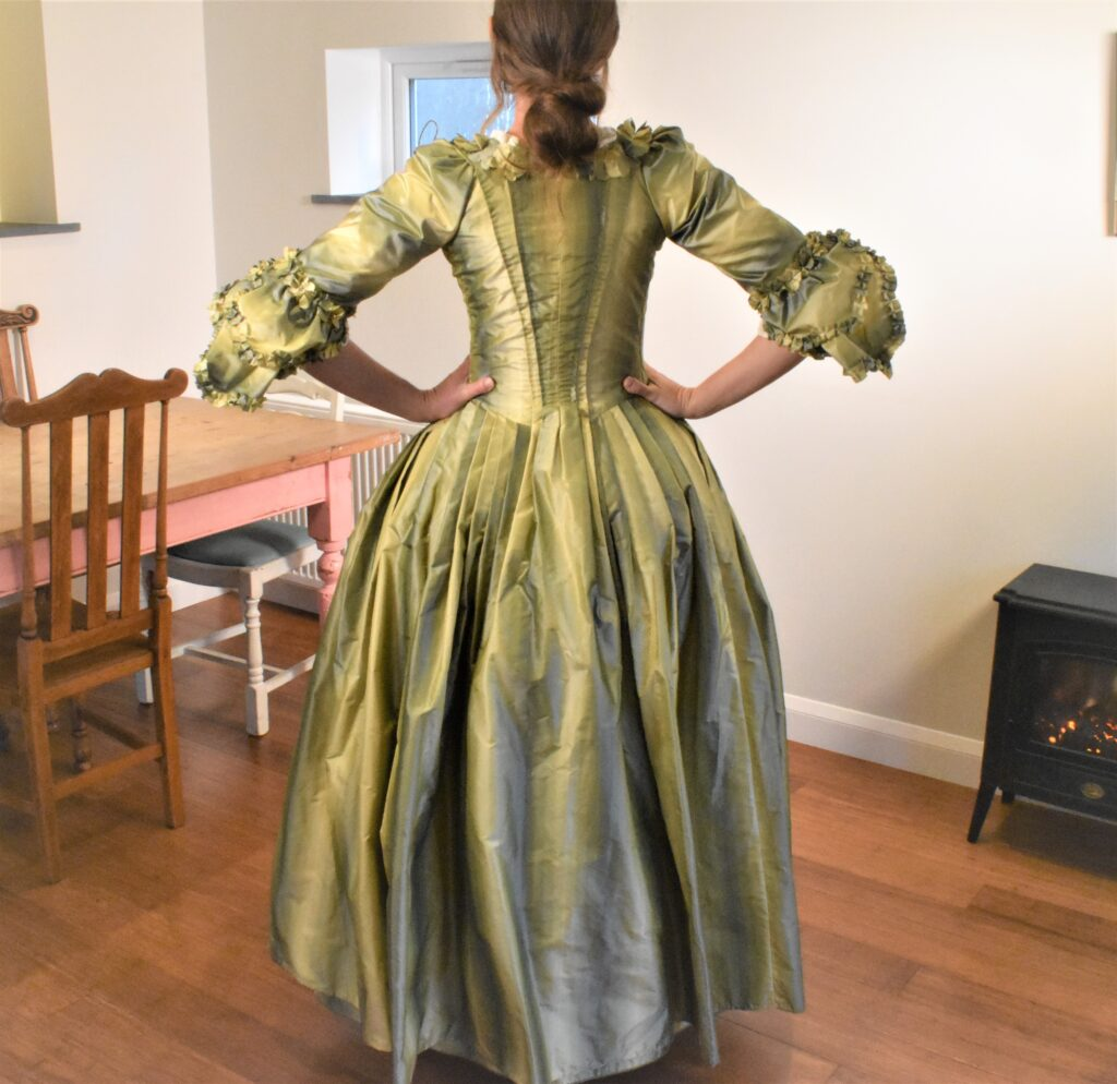 what makes a robe a l'anglais different - back view of the a nightgown