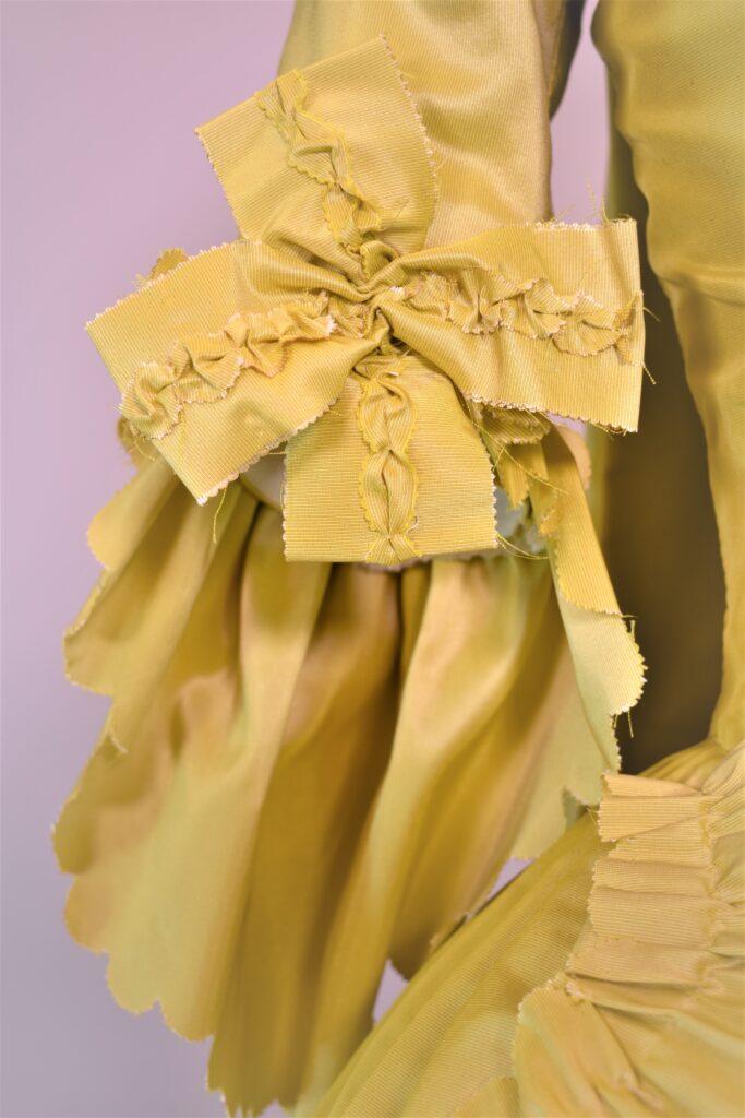18th century pretty fashion - rococo fashion marie antionette HandBound Costumes