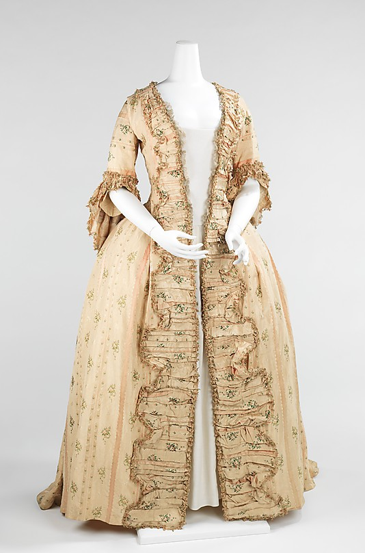 sack backs - 18th century gowns - handbound costume research