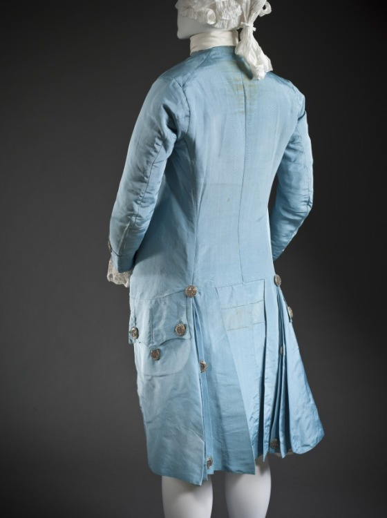 what kind of suits were worn in the 1760s - 1760s mens fashion